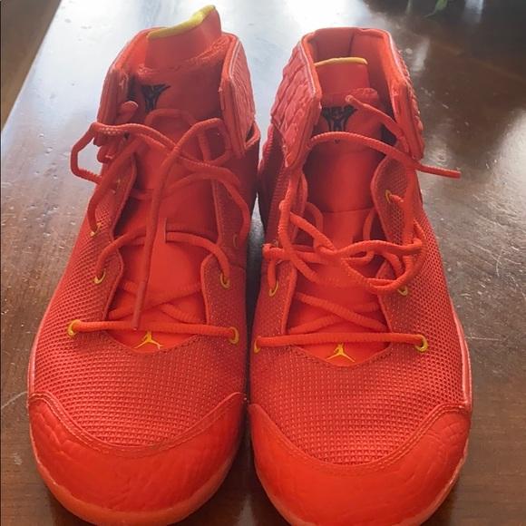 Nike size 6.5 Jordan Carmelo sneakers